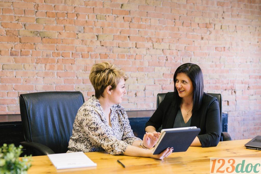 Tuyển dụng là một quá trình từ tuyển mộ, nghiên cứu và tuyển chọn nhân viên cho một vị trí hoặc một công việc trong một tổ chức.